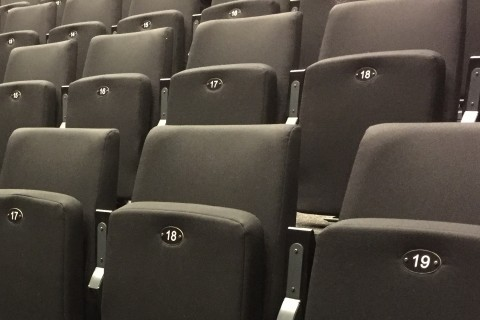 Rabotheaterzaal stoelen Elckerlyc